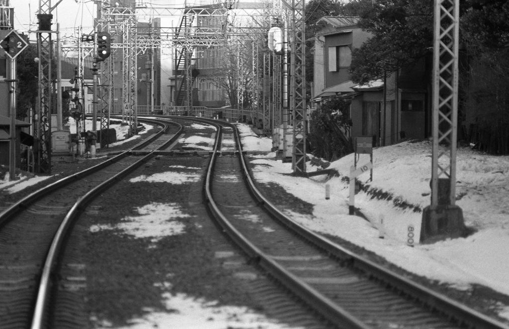 上り屋敷駅と踏切(1): 目白の...